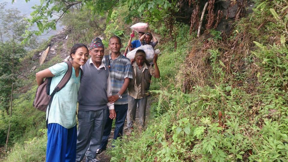 Während des zweiten Erdbebens war Prabighya in der Region dessen Epizentrums, und konnte sofort helfen