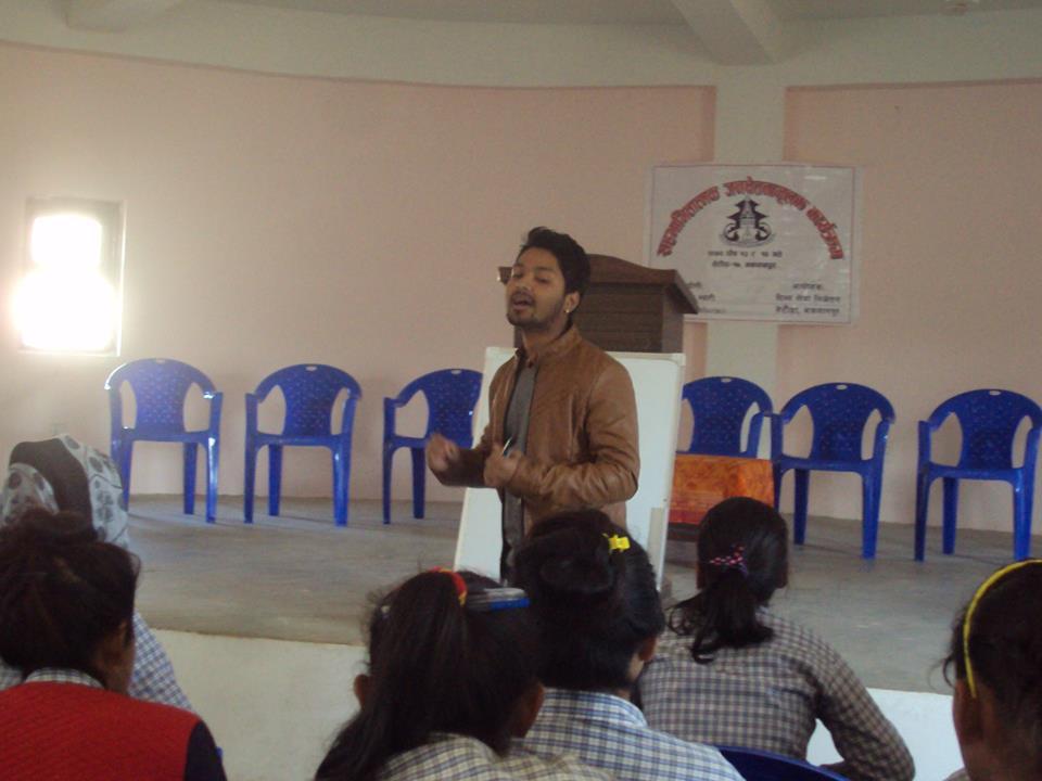 Sajal hält einen Vortrag